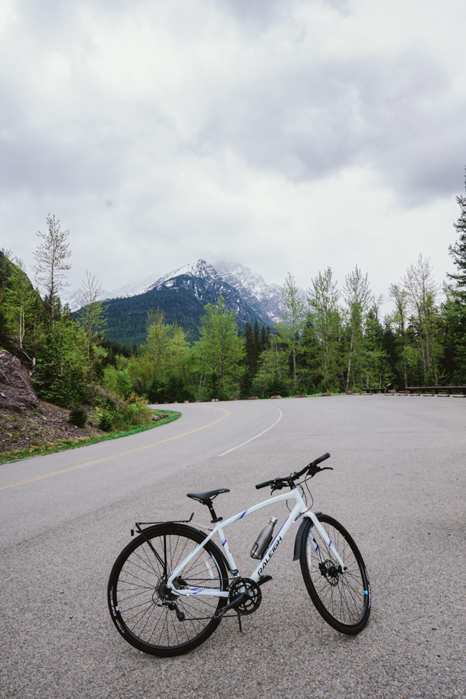 Going-to-the-Sun Road bike and mountain